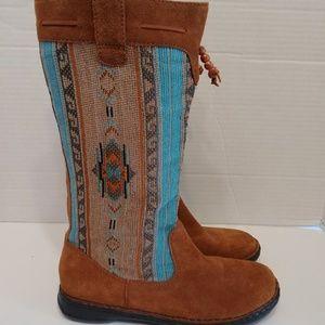 Minnetonka leather boots womens size 8.5